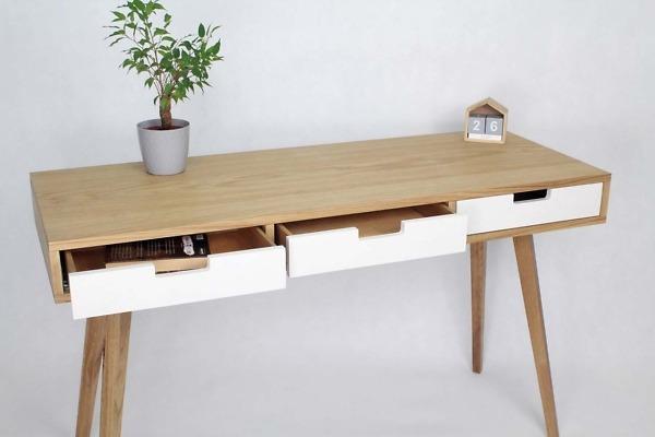 Biurko Skandynawskie Wide z trzema białymi szufladami w stylu skandynawskim, designerskie