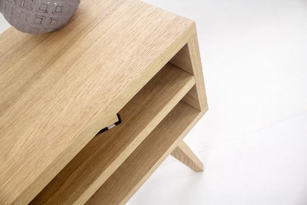 Dębowa Lita designerska Szafka Lea z dwiema półkami w stylu skandynawskim
