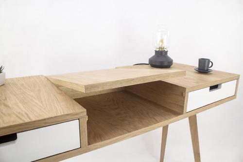Nowoczesna designerska dębowa drewniana toaletka i biurko z szufladami i półką. Styl skandynawski. Ręcznie robiona. Biurko z lustrem.