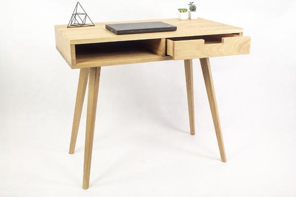 Dębowe lite designerskie Biurko Lea z półką i białą prawą szufladą w stylu skandynawskim, nowoczesne