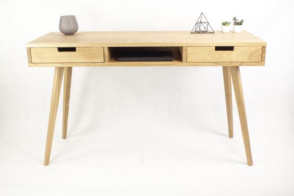 Dębowe lite drewniane Biurko Skandynawskie Wide z dwiema dębowymi szufladami i półką w stylu skandynawskim